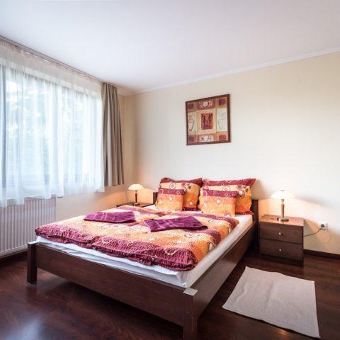 vorosfenyo_apartman_salgobanya_48